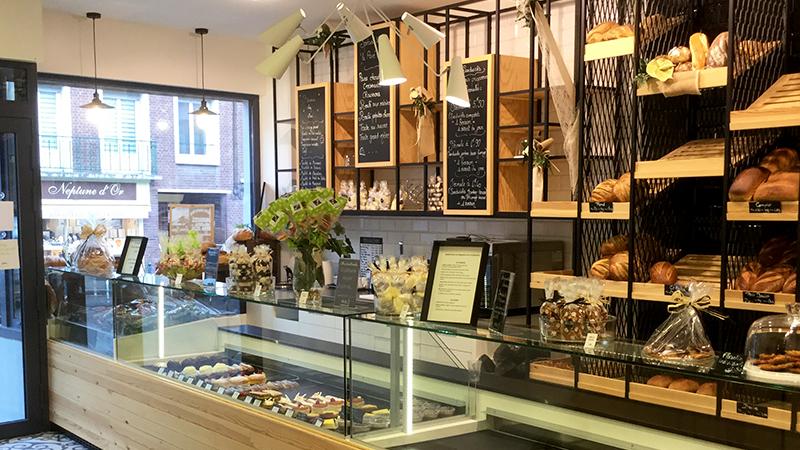 Agencement vitrine Somabo (59 Nord), concessionnaire Bongard et EUROMAT, équipement de boulangerie et pâtisserie.